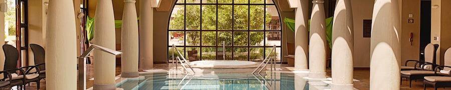 Hotels with Indoor Pools